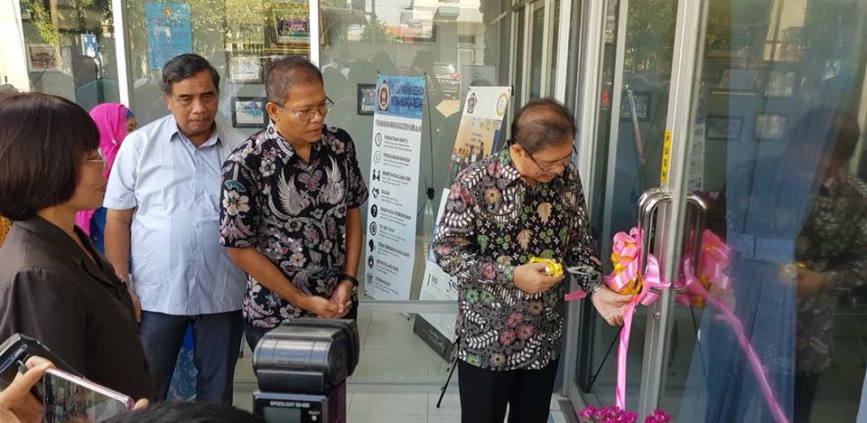 Pembukaan Pojok Kependudukan oleh BkkbN di STIKes Mitra Husada Medan